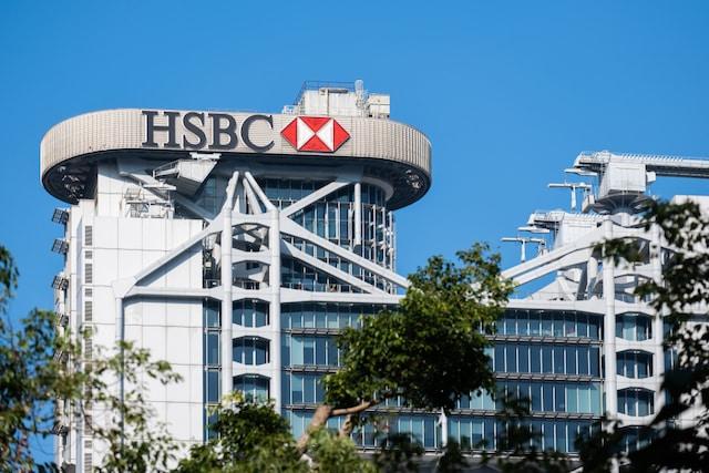 HSBC, Standard Chartered và DBS sẽ chế tài 11 quan chức Hồng Kông và TQ